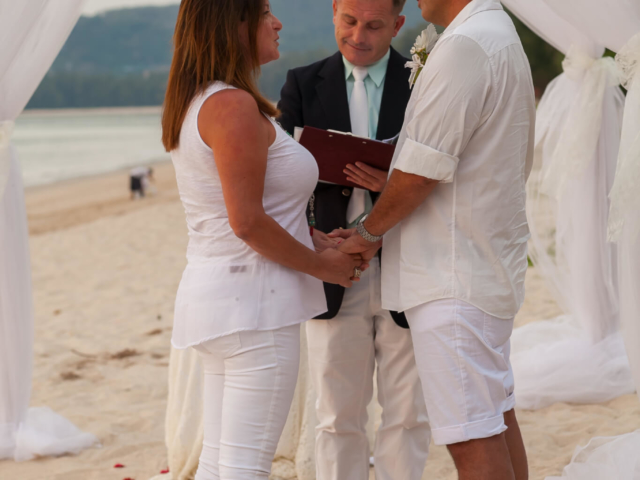 Beach marriage celebrant phuket (10)
