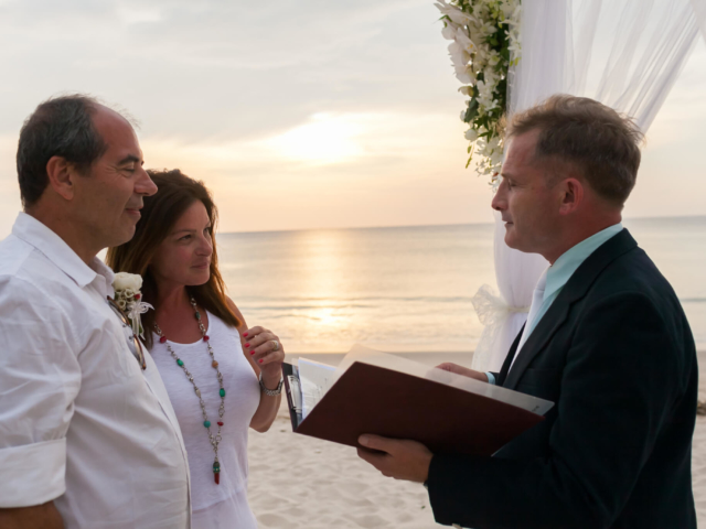 Beach marriage celebrant phuket (17)