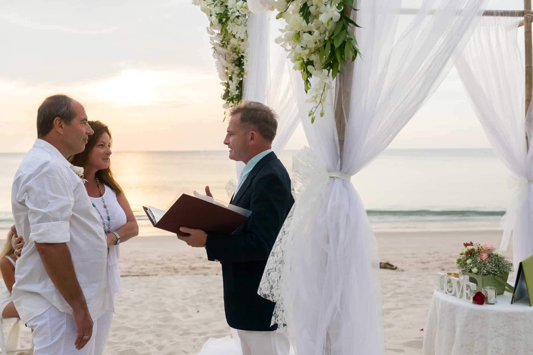 Beach marriage celebrant phuket (18)