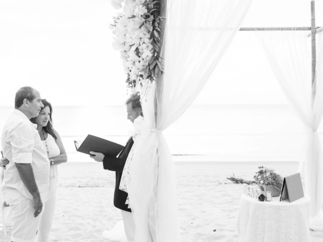 Beach marriage celebrant phuket (20)