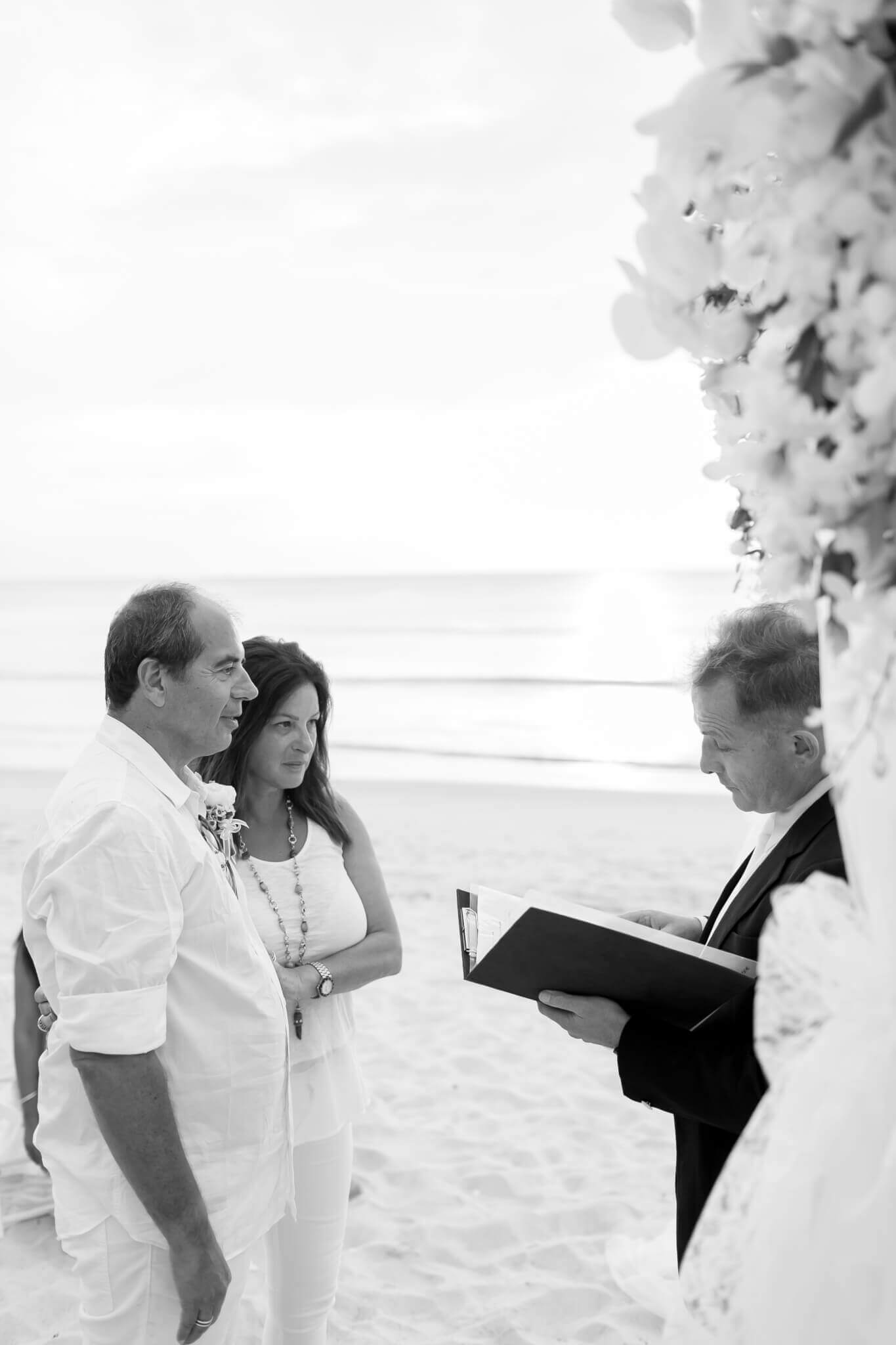 Beach marriage celebrant phuket (21)