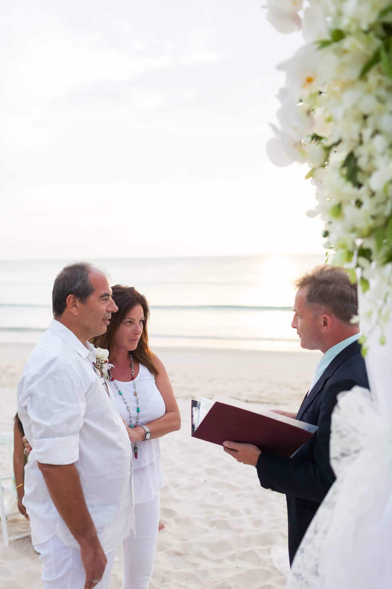 Beach marriage celebrant phuket (22)