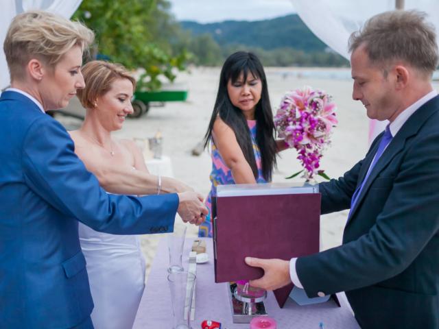 Beach wedding celebrant (15)