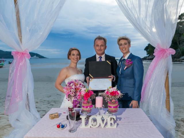 Beach wedding celebrant (19)