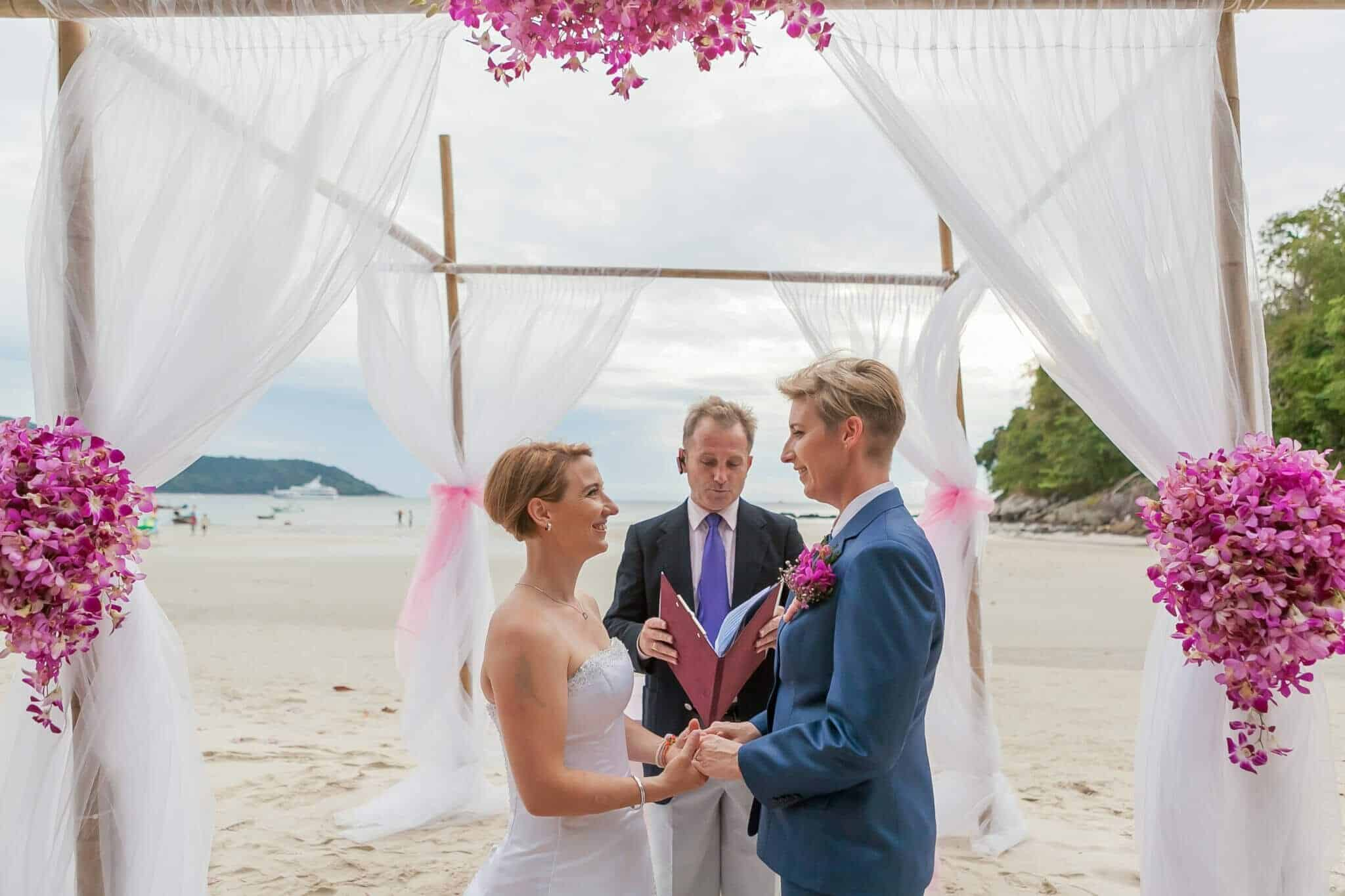 Beach wedding celebrant (4)