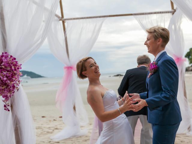 Beach wedding celebrant (5)