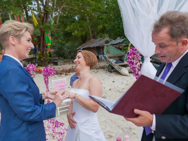 Beach wedding celebrant (9)