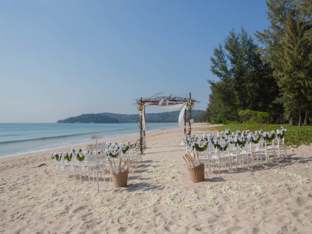 Beach destination wedding celebrant phuket (1)